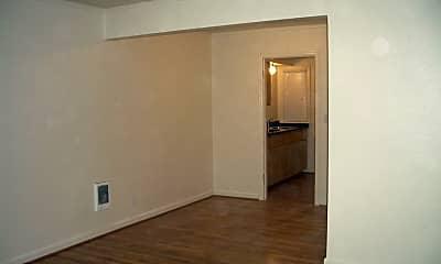 Bedroom, 6535 N Greeley Ave, 2