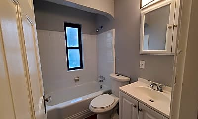 Bathroom, 514 Forest Ave, 2