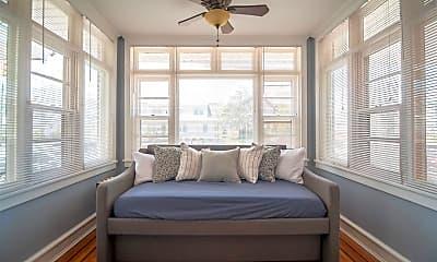 Living Room, 6806 Ventnor Ave, 2