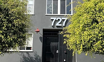 727 Olive Ave, 1