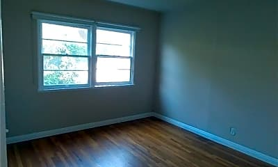Living Room, 2464 S Centinela Ave, 2