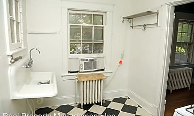 Bathroom, 432 3rd St NE, 2