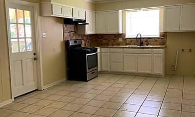 Kitchen, 300 Van Buren Dr, 1