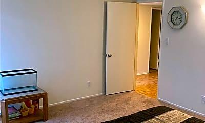 Living Room, 5320 Zelzah Ave 314, 2
