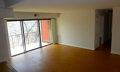 Living Room, 4707 Tecumseh Street #303, 1