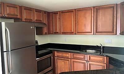 Kitchen, 3165 Royalston Ave, 1