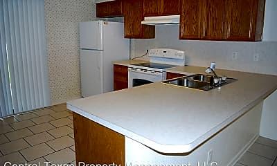 Kitchen, 906 Crymes Ln, 1