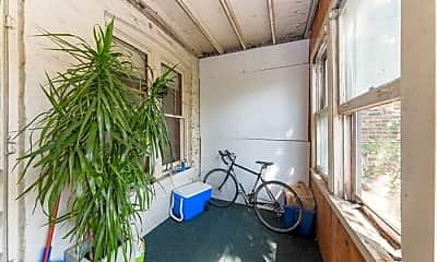 Patio / Deck, 1719 N Wood St, 2