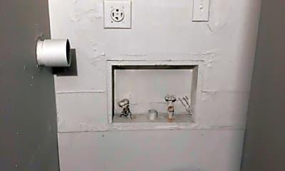 Bathroom, 525 42nd St, 2