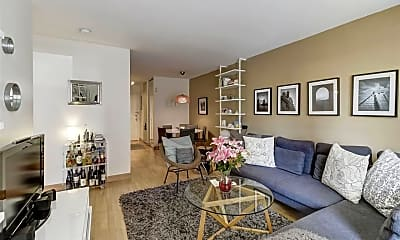 Living Room, 242 Barrow St 1D, 1