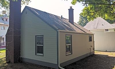Building, 328 S Jefferson St C, 2