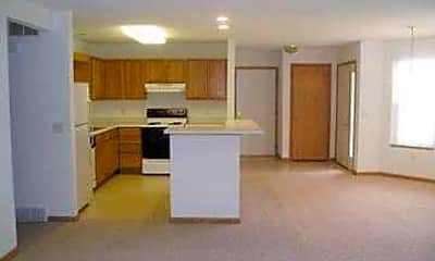 Hunter's Trail Condominiums, 1
