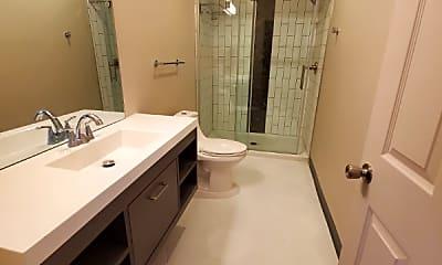 Bathroom, 1200 E Waterman St, 2