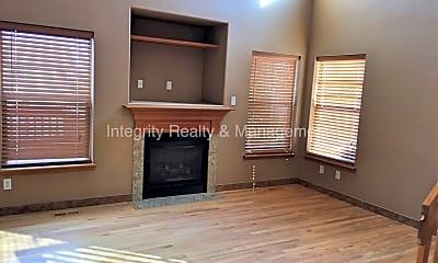 Living Room, 507 Sylvestor Trail, 1