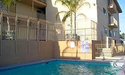 Villa California Apartments, 2