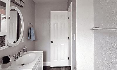 Bathroom, 3102 W San Juan St, 1