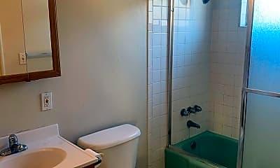 Bathroom, 2328 Seventh St, 2