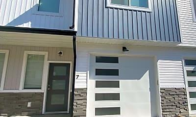 Building, 169 Park Lawn Ave, 0