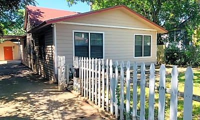 Patio / Deck, 304 E Mistletoe Ave, 0