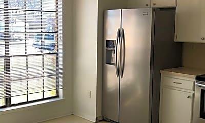Kitchen, 111 Bridle Dr, 1