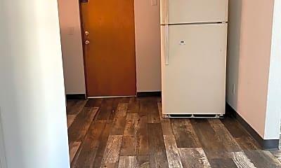 Kitchen, 221 Miriam Dr, 1