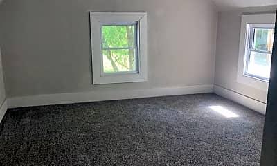 Living Room, 1120 W Mt Vernon St, 2