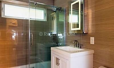 Bathroom, 1426 Addison St, 2