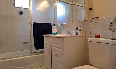 Bathroom, 12 Montcalm Ave, 2