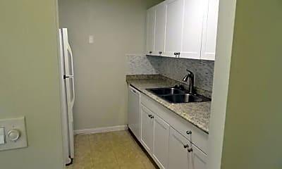 Kitchen, 3061 Meridian Way N 10, 1