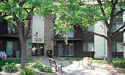 Earle Brown Farm Apartments, 0