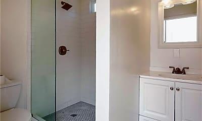 Bathroom, 800 Canyon Dr B, 1