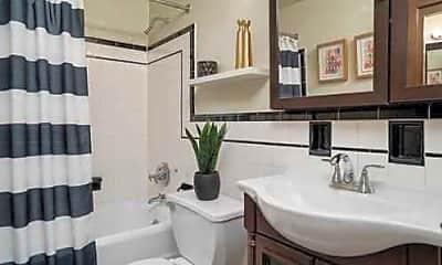 Bathroom, Delaware Park Apartments, 2