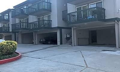 Creekside Terrace, 2