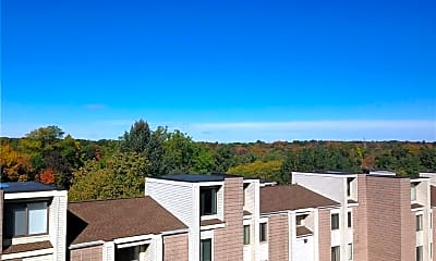 Building, 152 Burgundy Hill Ln, 1