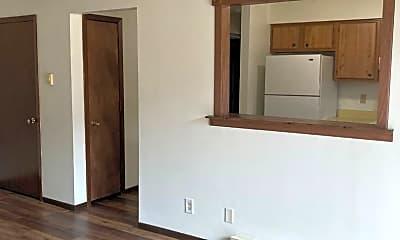Living Room, 4970 Hampshire Close, 1
