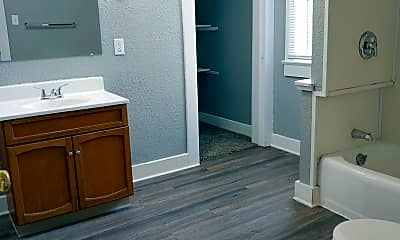 Bathroom, 1115 Maple Ave, 2
