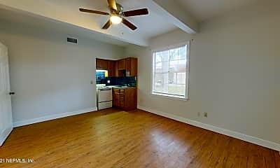 Living Room, 2114 Schumacher Ave 4, 1