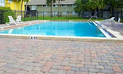 Pool, Grandview Pointe, 2