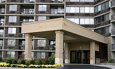 Building, 2 Bay Club Dr 15D, 1