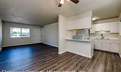 Living Room, 2705 SE Courtney Ave, 0