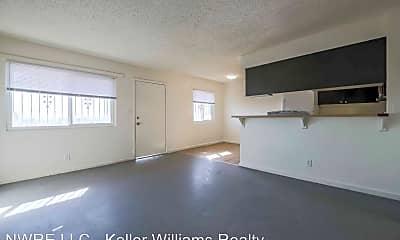 Living Room, 1404 E Mesquite Ave, 0