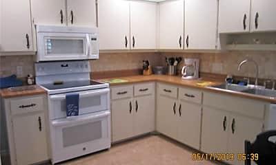 Kitchen, 23 Lake Fairgreen Cir, 2