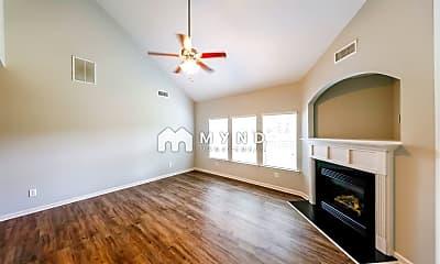 Living Room, 379 Glen Cross Way, 1