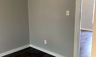 Bedroom, 725 S Carancahua St, 2