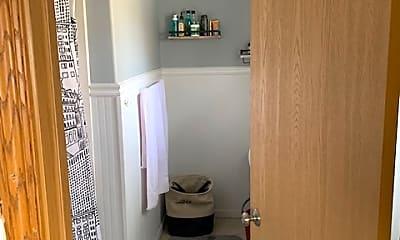 Bathroom, 334 Jackson St, 2