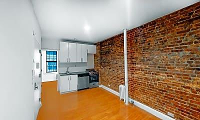 Living Room, 71 Pineapple Street, Unit B3, 2