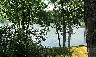 185 Lake Rd, 1