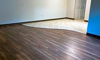 Living Room, 205 McKnight Cir, 0