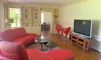 Living Room, 4420 Franklin Pike, 1