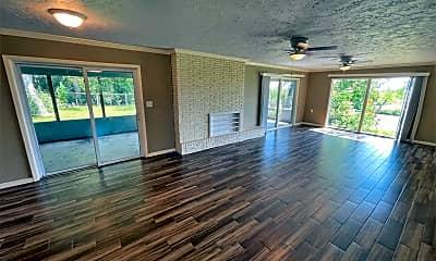 Living Room, 1078 Sharp St, 1